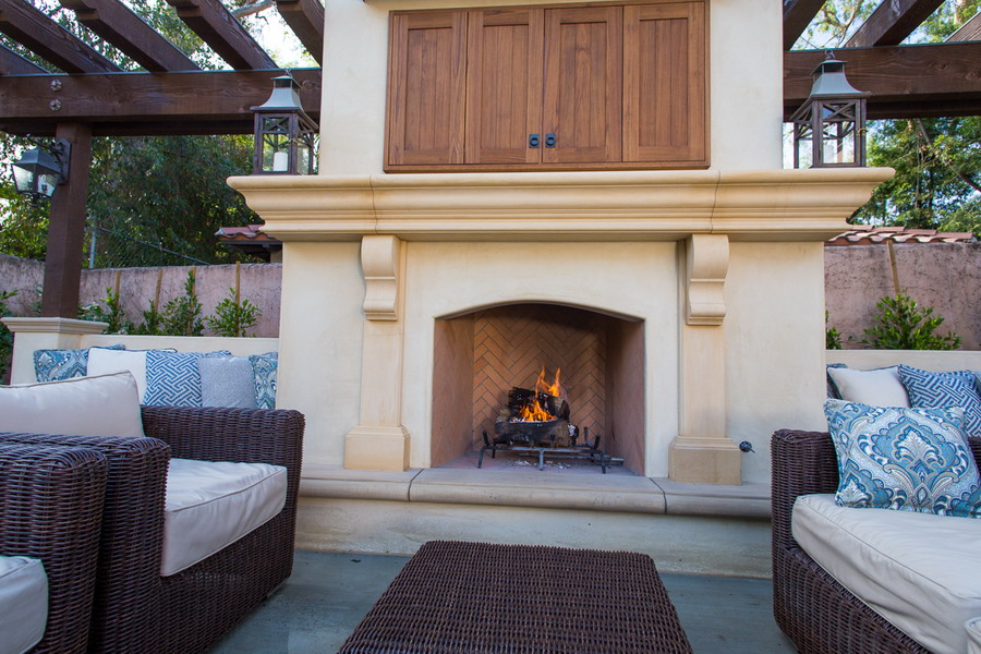 Fireplace systems outdoor masonry brick fireplaces for Prefabricated outdoor fireplace kits
